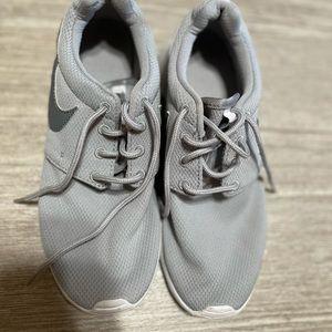 Grey Nike Roche size 5.5Y